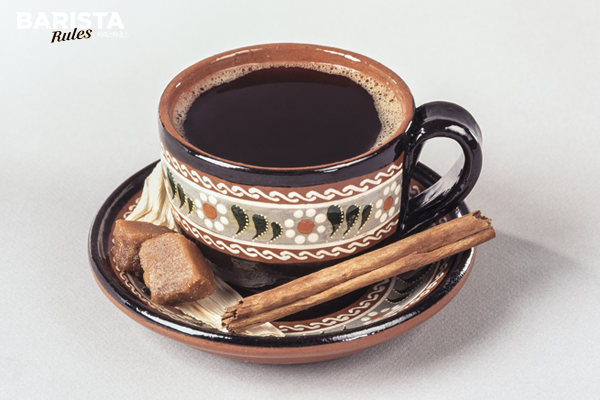 멕시코의 전통 커피 카페드올라(Café de Olla)
