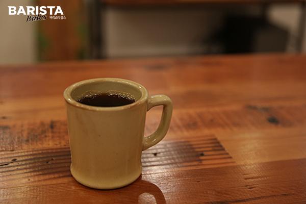 도쿄 카페 올시즌스_카페 커피